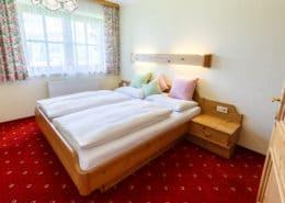 Ferienwohnung Alpengarten Schlafzimmer